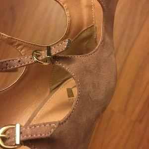 Report Shoes - Report Wedge Heels